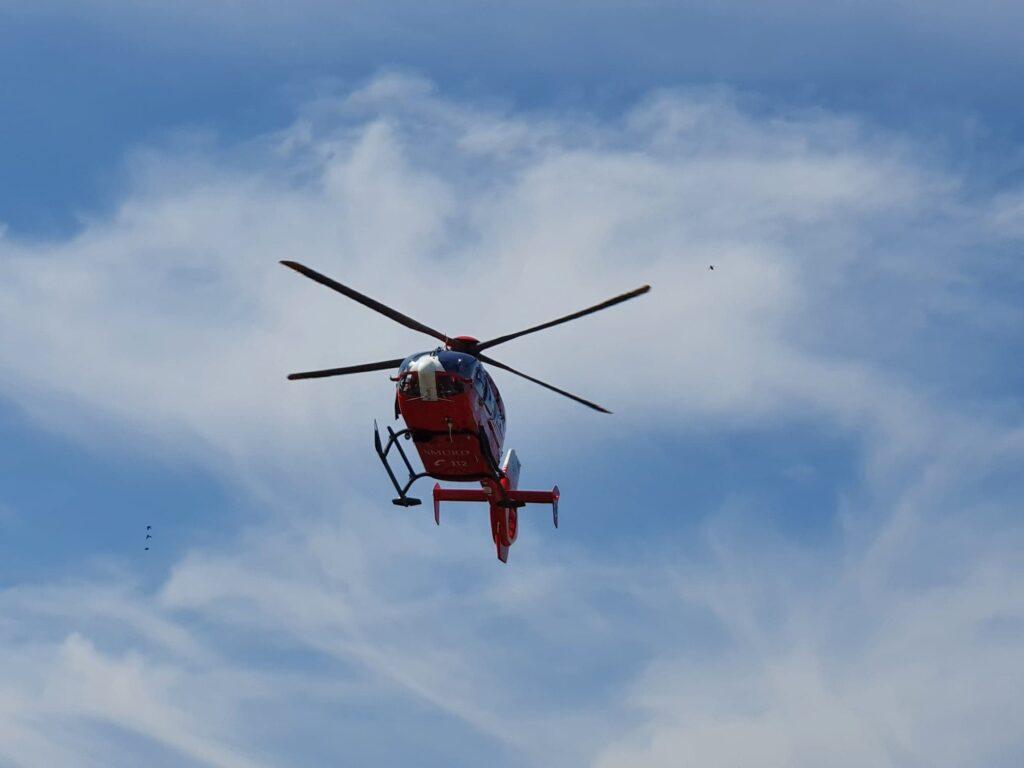 Elicopterul SMURD solicitat pentru o biciclista lovita de masina