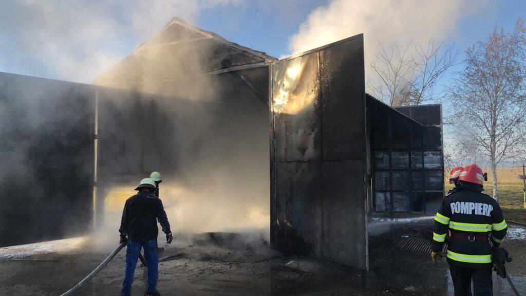Incendiu la un atelier in Crasna